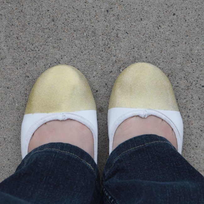 DIY-gold-tipped-sparkly-ballet-flats-1