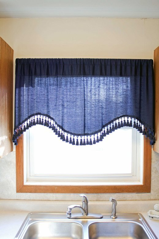 IMAGE-2-Before-Curtain