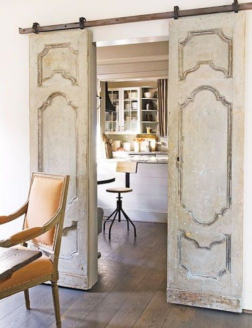 Closet door ideas diy makeovers to repurpose old doors for Closet door ideas diy